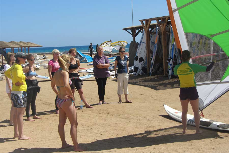 Ladies Only Windsurf Event in El...